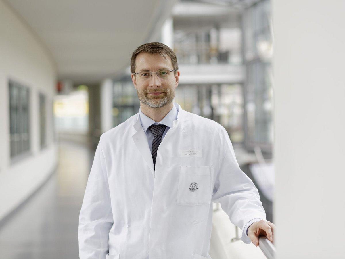 Porträt von Prof. Dr. Mathias Pletz