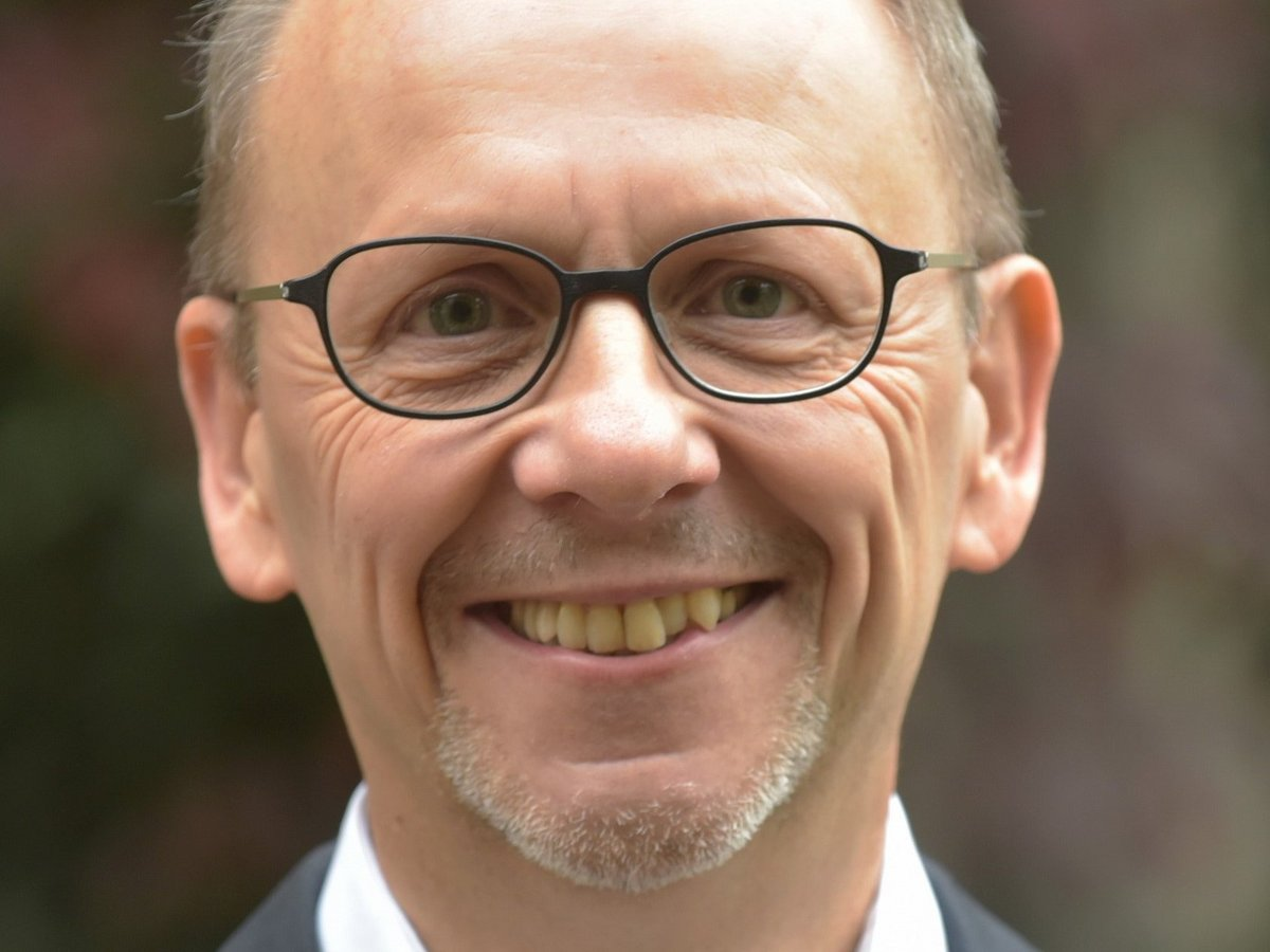 Porträt von Prof. Dr. mult. Nikolaus Knoepffler