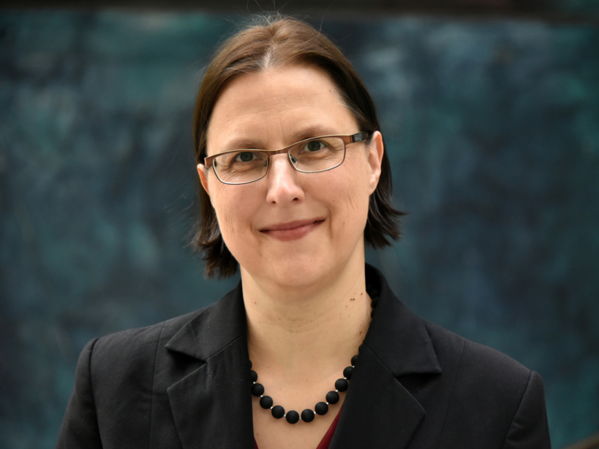 Prof. Dr. Silke Übelmesser