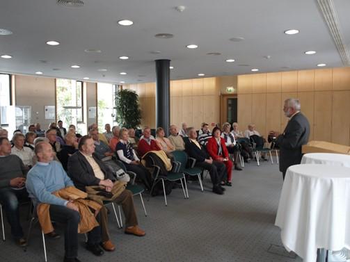 Der Tagungsraum der Landesvertretung in Berlin während einer Besucherführung.